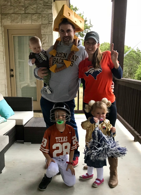 Easy last minute family costume idea - All About Football